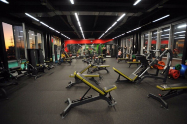 Спортивный зал: Mango Fitness