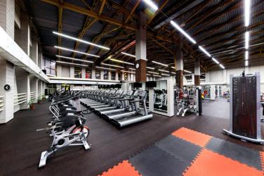 Спортивный зал: Self Club